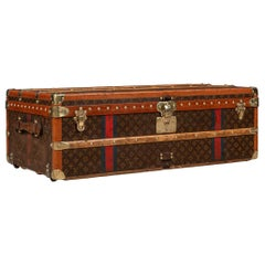 20th Century Louis Vuitton Cabin Trunk in Monogrammed Canvas, Paris, circa 1920