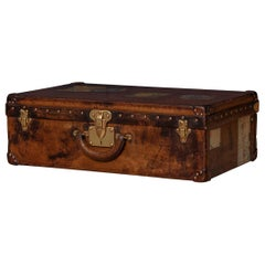 20th Century Louis Vuitton Leather Suitcase in Cow Hide, Paris, circa 1900