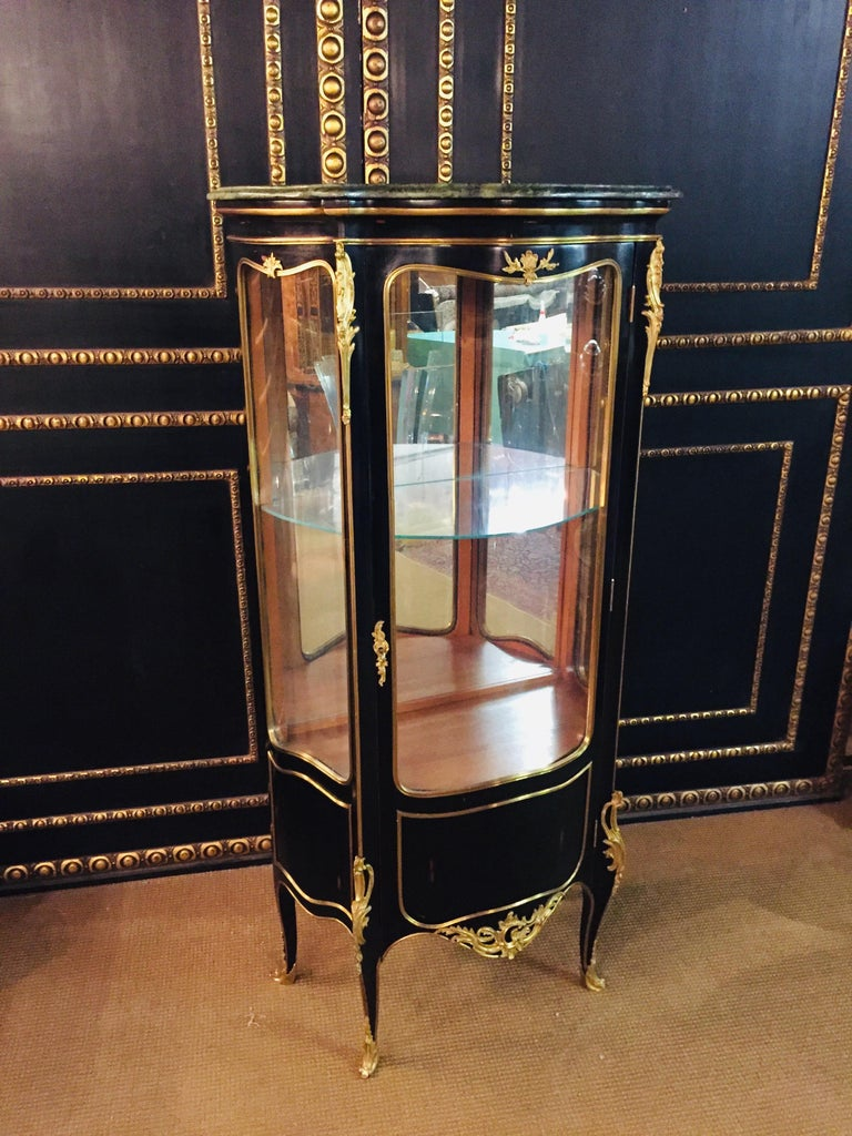 French 20th Century Louis XV Style Black Polished Salon Vitrine For Sale