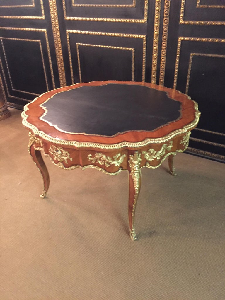 20th Century Louis XV Style French Salon Table Bronze In Good Condition For Sale In Berlin, DE