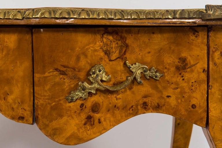 20th Century Louis XVI Style Burl Wood Bureau Plat For Sale 2