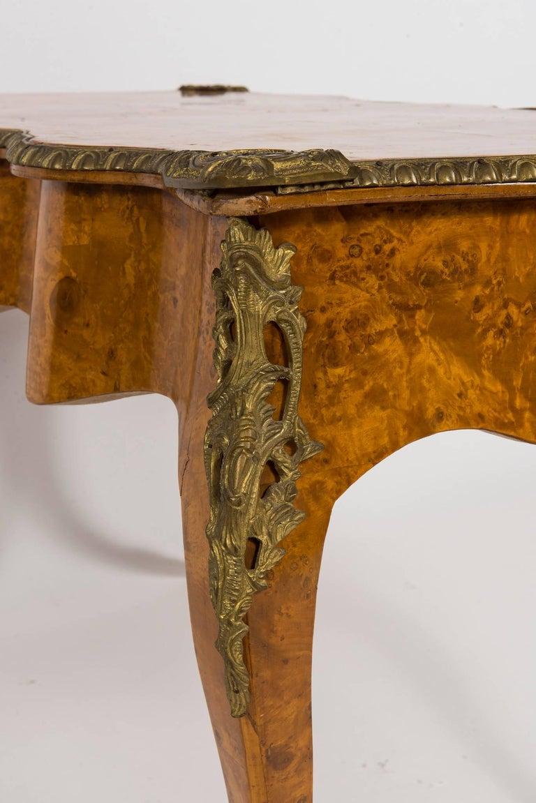 20th Century Louis XVI Style Burl Wood Bureau Plat For Sale 4