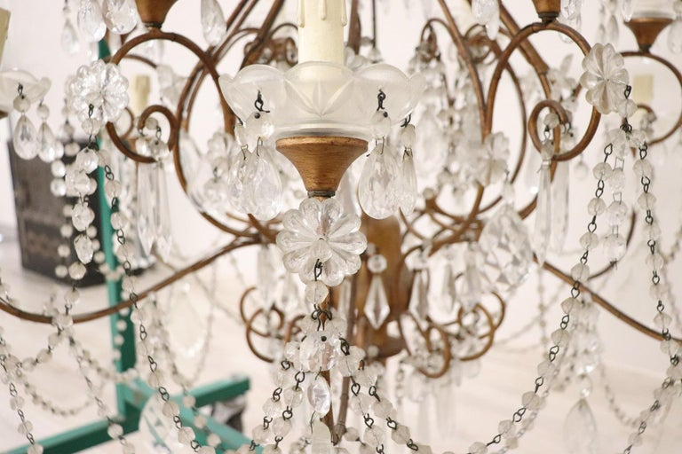 20th Century Louis XVI Style Gilded Bronze and Crystals Large Luxury Chandelier For Sale 4