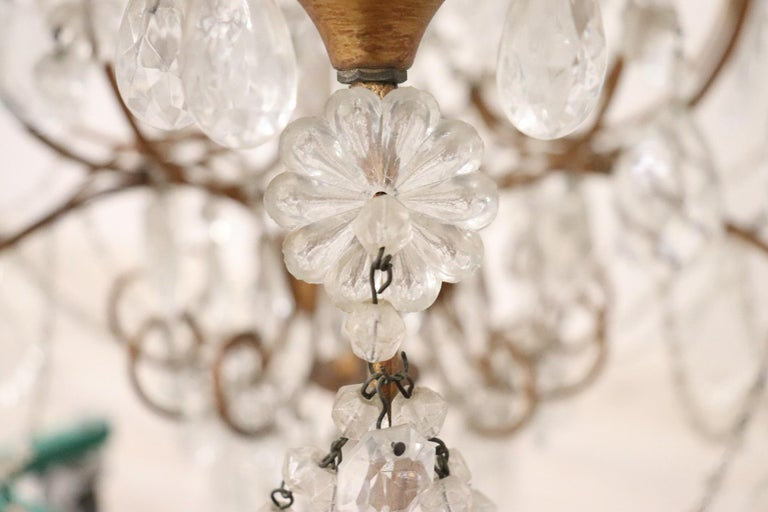 20th Century Louis XVI Style Gilded Bronze and Crystals Large Luxury Chandelier For Sale 5