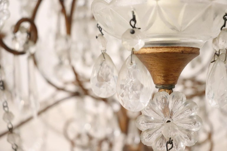20th Century Louis XVI Style Gilded Bronze and Crystals Large Luxury Chandelier For Sale 6