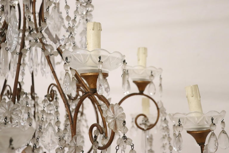 20th Century Louis XVI Style Gilded Bronze and Crystals Large Luxury Chandelier For Sale 2