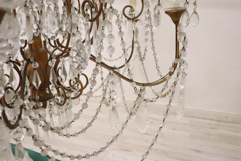 20th Century Louis XVI Style Gilded Bronze and Crystals Large Luxury Chandelier For Sale 3