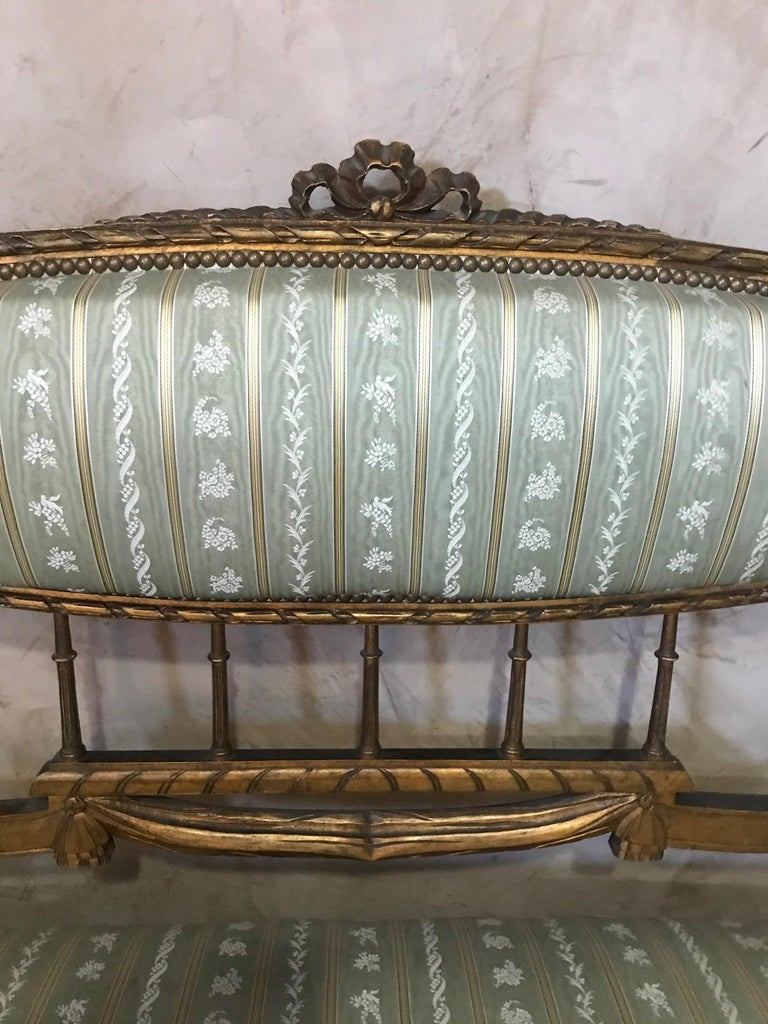 20th Century Louis XVI Style Golden Wood and Silk Salon, 1920 In Good Condition For Sale In LEGNY, FR