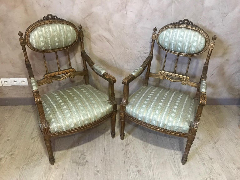 20th Century Louis XVI Style Golden Wood and Silk Salon, 1920 For Sale 4