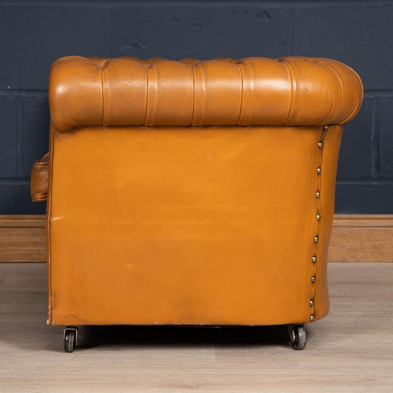 20th Century Miniature Chesterfield Leather Sofa, circa 1920 In Good Condition In London, London