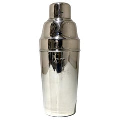 20th Century Modern George V Sterling Silver Cocktail Shaker Sheffield, 1926