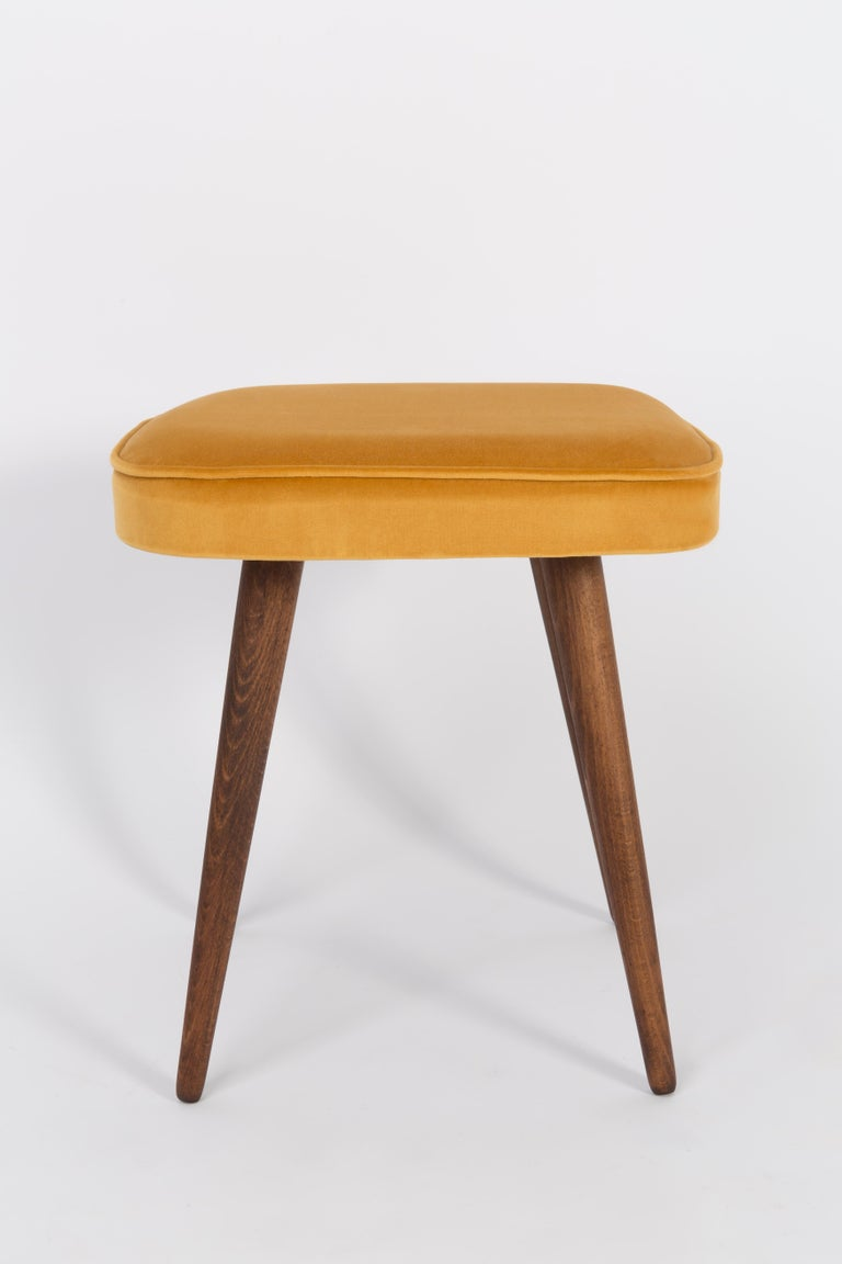 20th Century Mustard Yellow Stool, 1960s In Excellent Condition For Sale In 05-080 Hornowek, PL