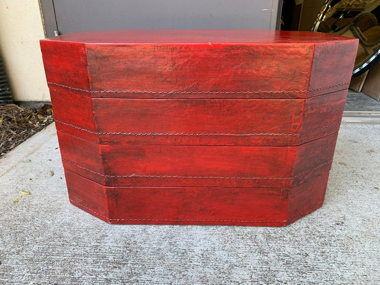 20th Century Oriental Lacquered Red Drinks Table For Sale 15