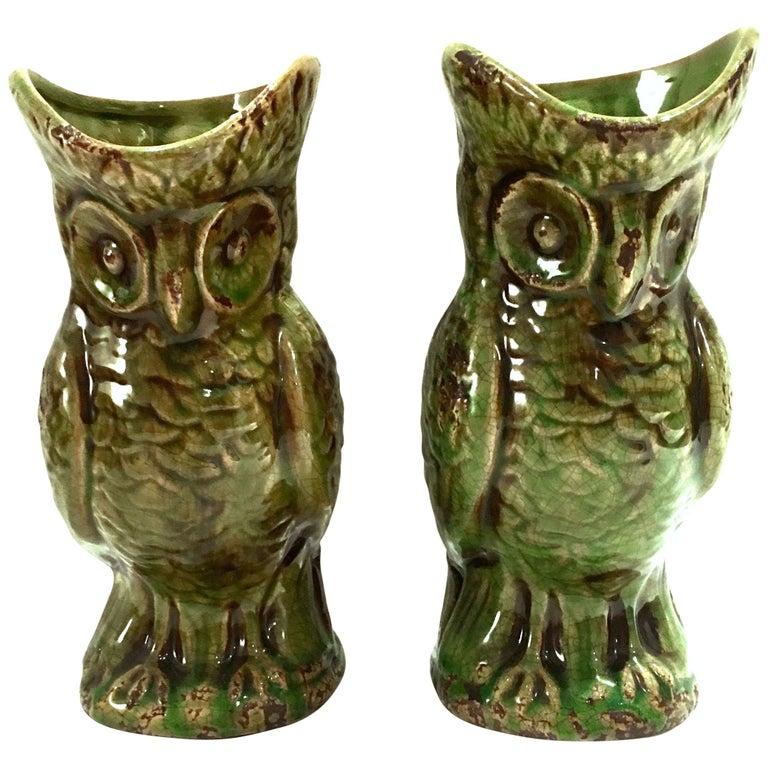 20th Century Pair of Ceramic Glaze Owl Beverage Pitchers For Sale
