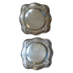 20th Century Pair of French Louis XVI Silver Plated Serving Plates, 1900s