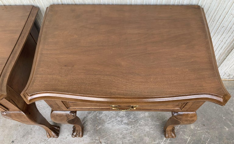 20th Century Pair of French Nightstands with One Drawer and Claw Feet In Good Condition For Sale In Miami, FL