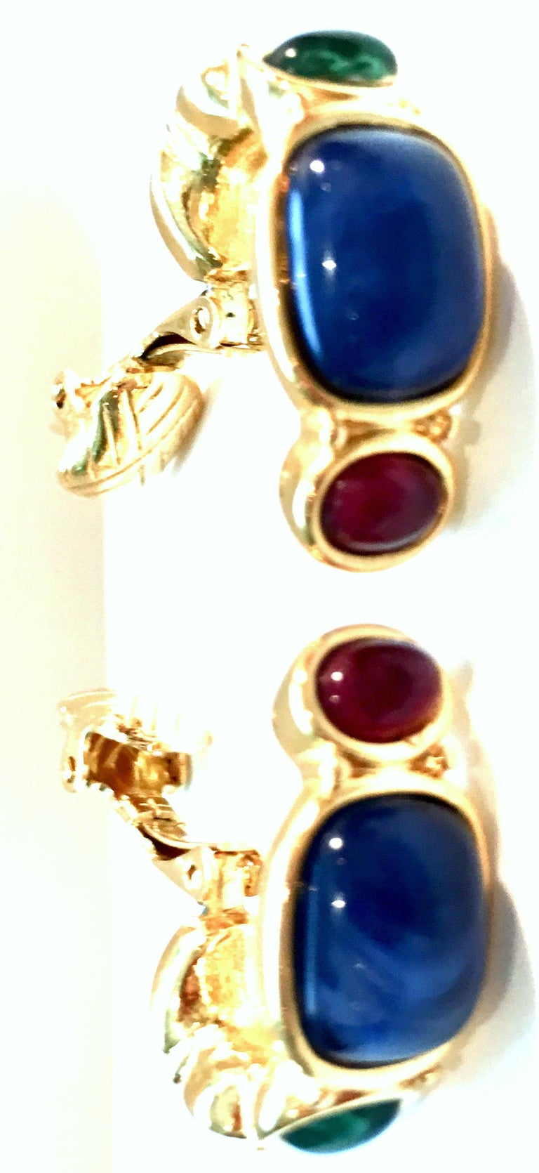 Women's or Men's 20th Century Pair Of Gold Plate & Molded Glass Hoop Earrings By, Trifari For Sale