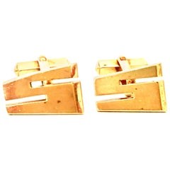 """20th Century Pair Of Gold Plate """"S"""" Cufflinks By, Swank"""