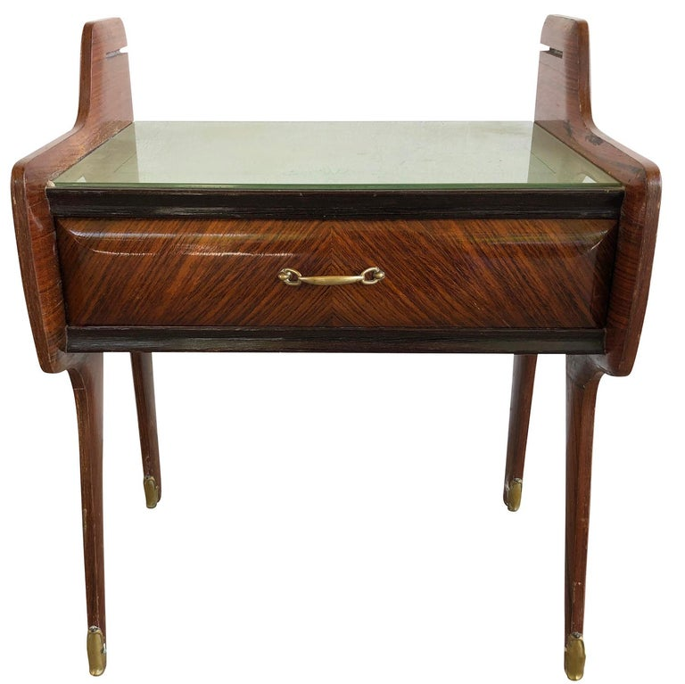 20th Century Pair of Italian Nightstands by Paolo Buffa In Good Condition For Sale In West Palm Beach, FL