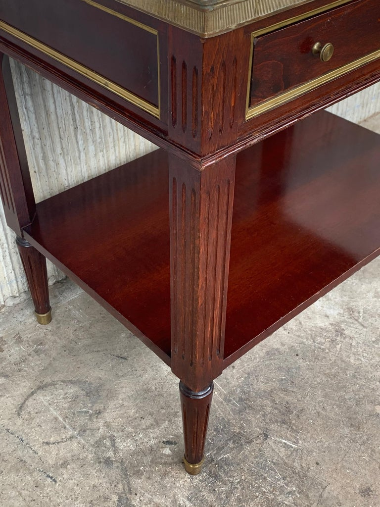 20th Century Pair of Louis XVI Style Marble-Top, Bronze and Walnut Nightstands For Sale 3
