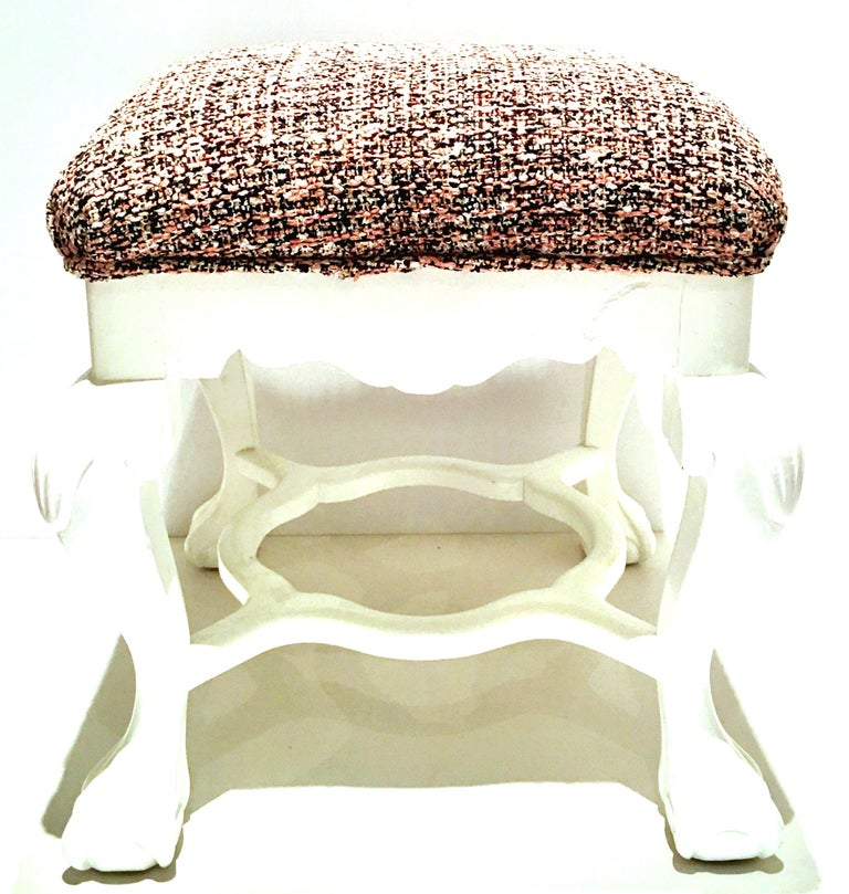 20th Century Pair of Queen Anne Style Mahogany Boucle Upholstered Benches For Sale 1