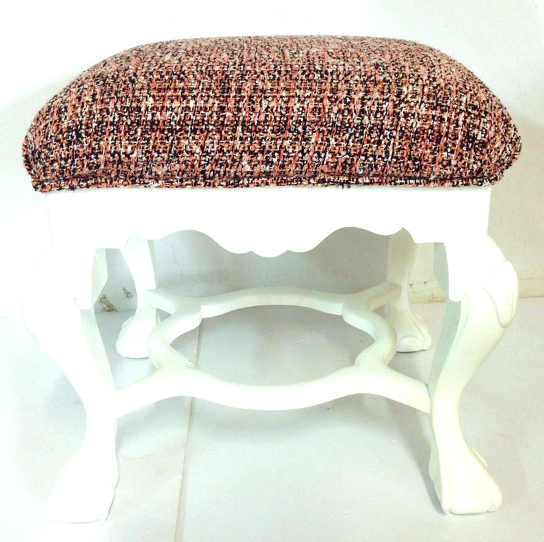Lacquered 20th Century Pair of Queen Anne Style Mahogany Boucle Upholstered Benches For Sale