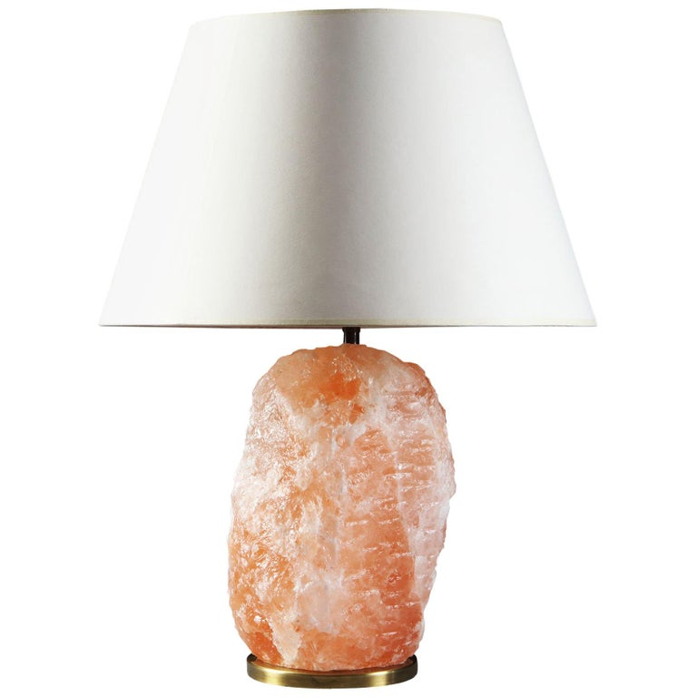20th Century Pink Rock Crystal Table Lamp With Brass Base For Sale