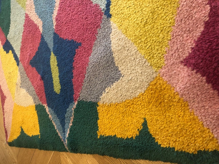 20th Century Pink Yellow Blu Green Flowers Giacomo Balla Designed Rug, 1987 In Good Condition For Sale In Firenze, IT