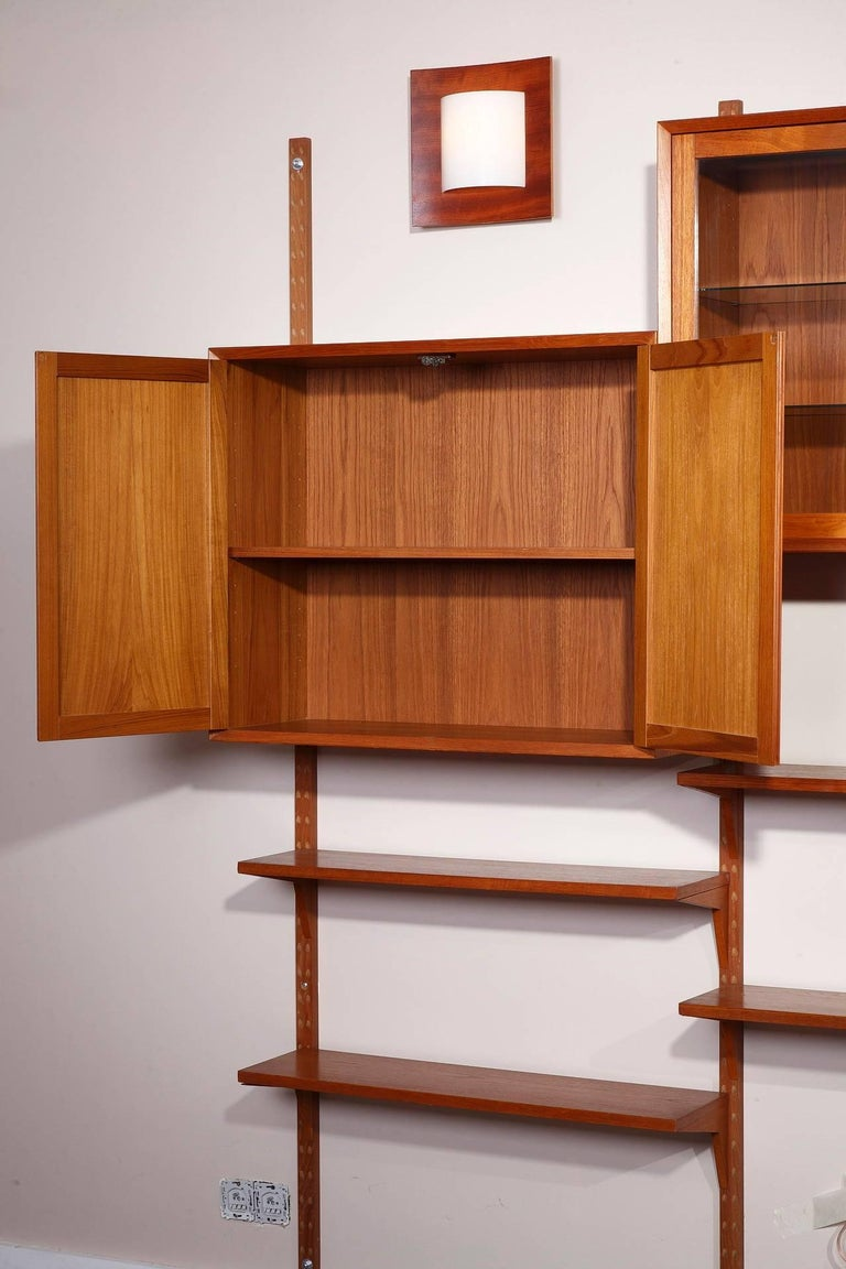20th Century Poul Cadovius Royal System Modular Wall Furniture in Teak For Sale 1