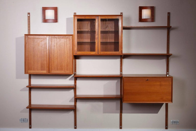 20th Century Poul Cadovius Royal System Modular Wall Furniture in Teak For Sale 2