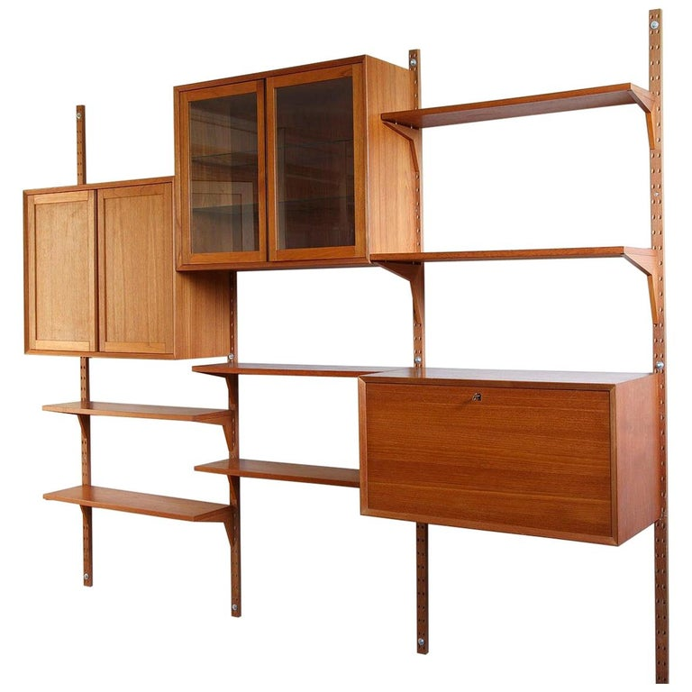 20th Century Poul Cadovius Royal System Modular Wall Furniture in Teak For Sale