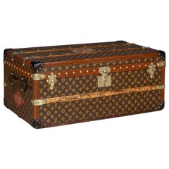 "20th Century Rare Louis Vuitton ""Malle Aero"" Trunk, Paris, circa 1920"