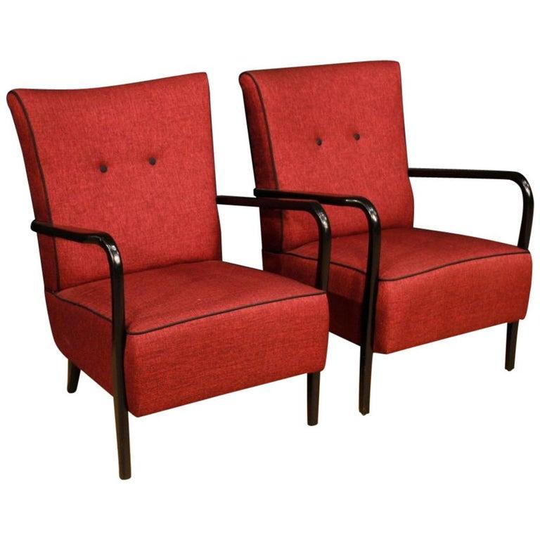 Paar Designer Sessel Von Cassina Aus Rotem Holz Und Stoff Italien