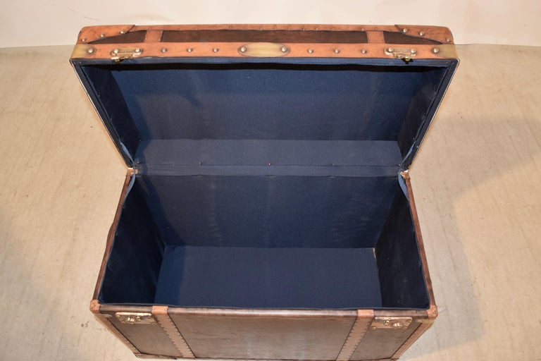 20th Century Refurbished Leather Steamer Trunk For Sale 3