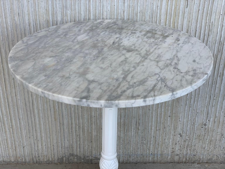 20th Century Round Cast Iron Base with Marble Top Garden Table or Bistro Table In Good Condition For Sale In Miami, FL