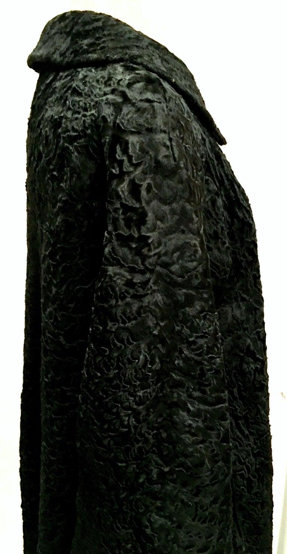 20th Century Sculptural Persian Jet Black Lamb Fur Swing Car Coat For Sale 3