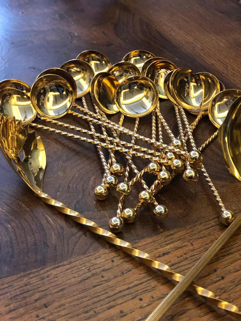 20th Century Set of Twenty-Pieces Gold-Plated Dessert Spoons In Good Condition For Sale In , CH