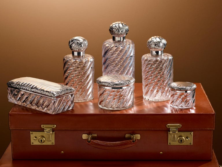 20th C. Six-Piece French Silver Dressing Table Set by Gustave Keller, circa 1910 In Excellent Condition For Sale In London, GB