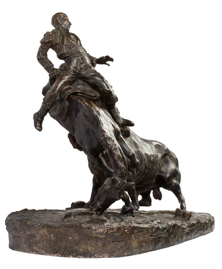 20th Century Spanish Bronze Picador and Bull Sculpture by Juan Polo Velasco For Sale 3