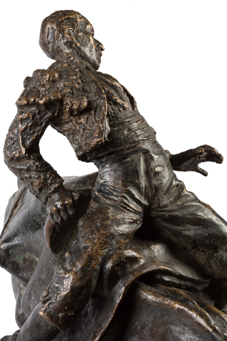 20th Century Spanish Bronze Picador and Bull Sculpture by Juan Polo Velasco For Sale 5