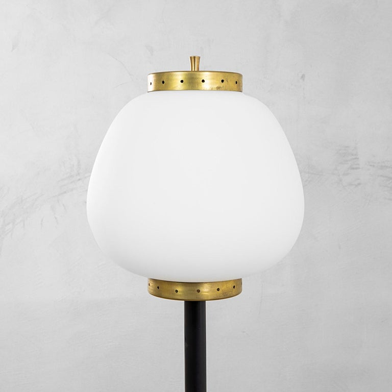Mid-Century Modern 20th Century Stilnovo Floor Lamp with Diffuser in Satin Glass and Base in Marble For Sale