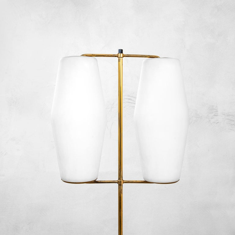 Mid-Century Modern 20th Century Stilnovo Floor Lamp with Diffusers in Opal Glass and Base in Marble For Sale