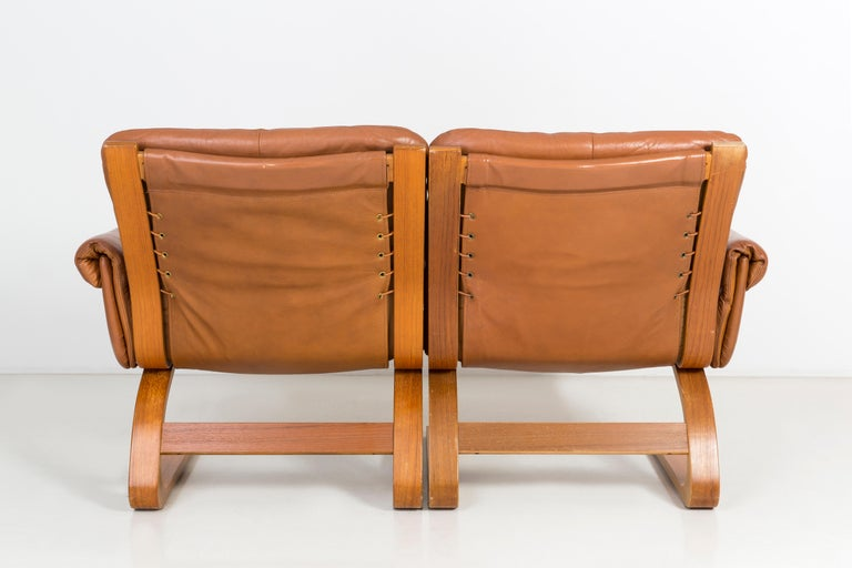 Leather 20th Century Teak Wood Kengu Sofa, Elsa & Nordahl Solheim for Rybo Rykken, 1970s For Sale