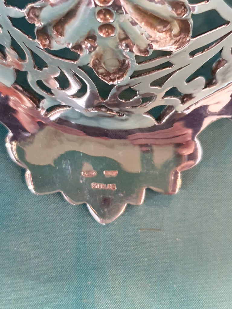 20th Century Victorian Style Handcrafted Sterling Silver Epergne, Italy, 1998 For Sale 6