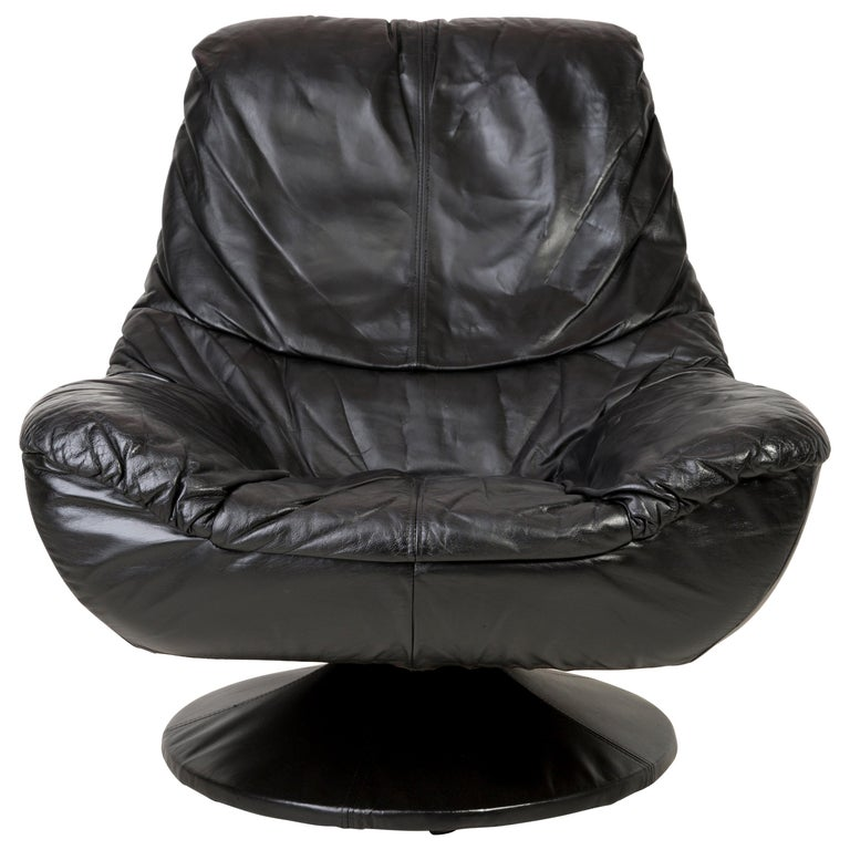 20th Century Vintage Black Soft Leather Swivel Armchair, Italy, 1960s For Sale