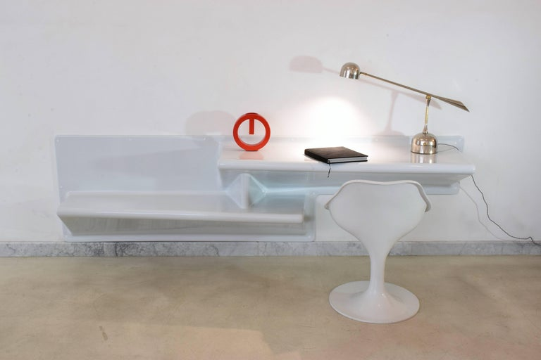 20th Century Vintage Fiberglass Hanging Console or Desk by Knoll, 1970s For Sale 1