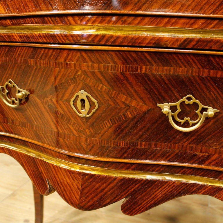 20th Century Violet Wood Inlaid Pair of Italian Bedside Tables, 1920 For Sale 6