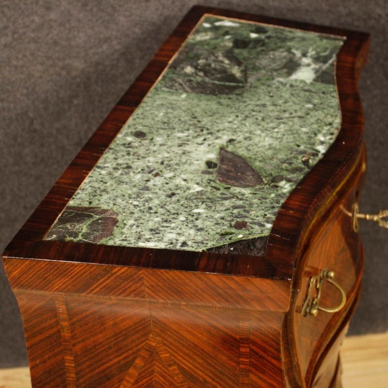 20th Century Violet Wood Inlaid Pair of Italian Bedside Tables, 1920 For Sale 1