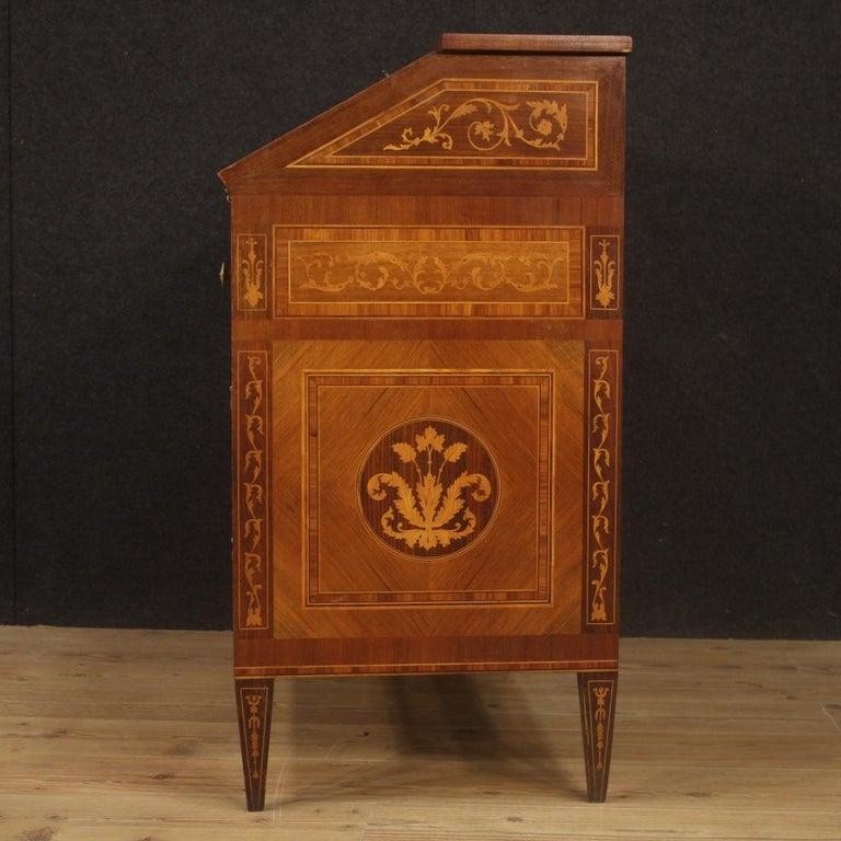 20th Century Walnut Maple Rosewood Inlaid Italian Louis XVI Style Bureau, 1960 In Good Condition For Sale In Vicoforte, Piedmont