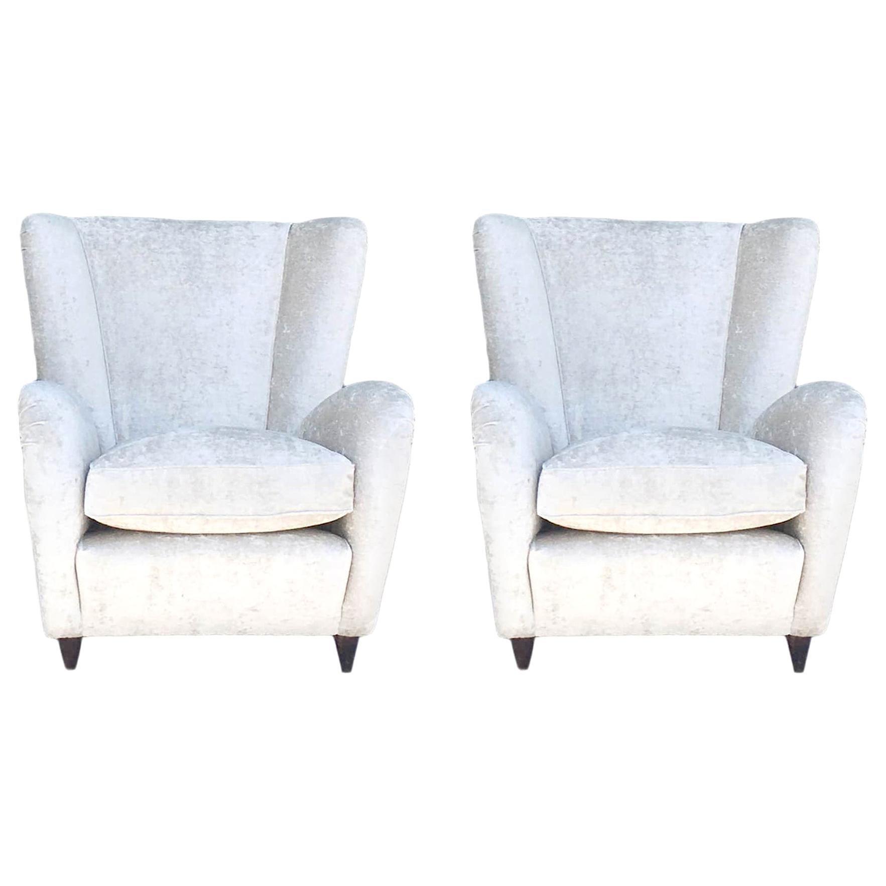 20th Century White Paolo Buffa Lounge Chairs, Italian Corner Chairs